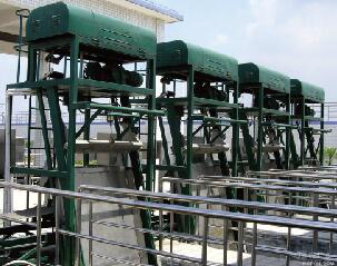 LZ型三索式钢丝绳格栅除污机